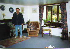 Peter Dunn at Huxtable Farm - April 1995