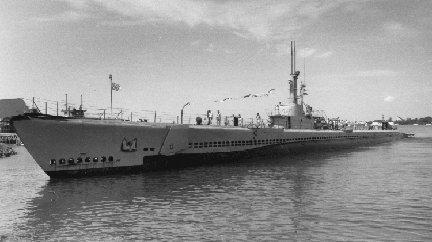 سلاح البحريه الامريكيه المشاركه في الحرب العالميه الثانيه Bowfin